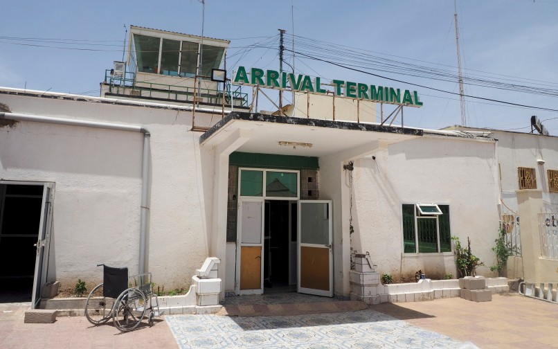 SOM-Hargeisa-airport-CCBYSA-Clay-Gilliland-flickr-26781577@N07-29482568932-8x5-edited